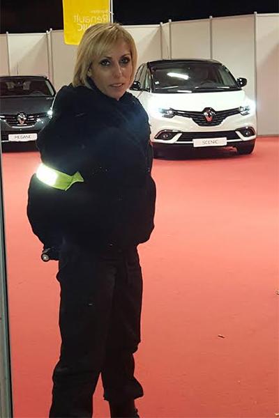 agent de sécurité évènementiel sur un salon automobile